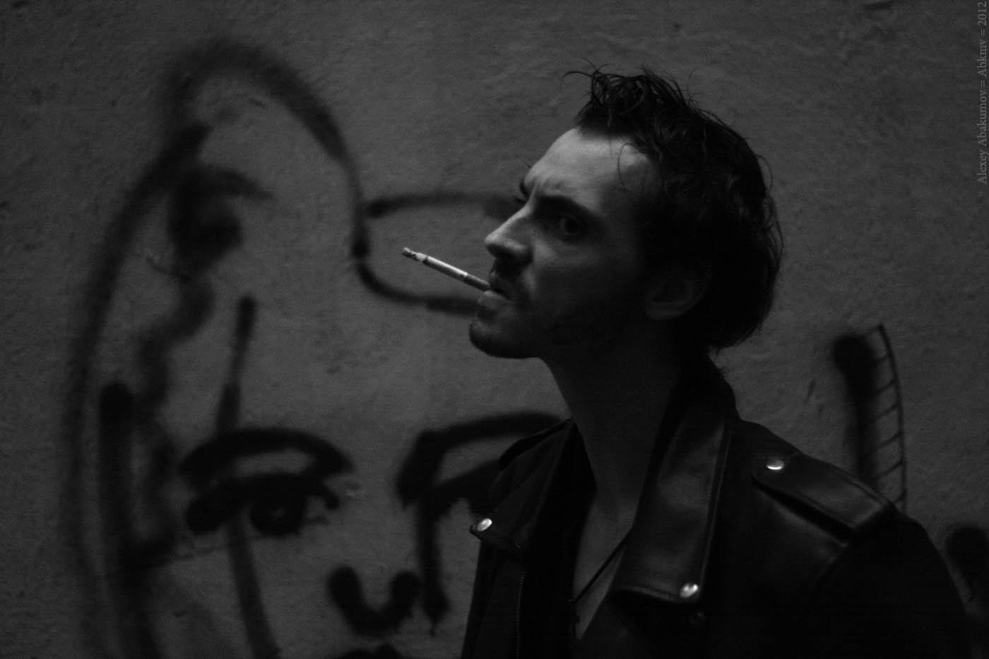 Панк. На фото Роман Лелюх. Санкт-Петерубрг, 2012 год