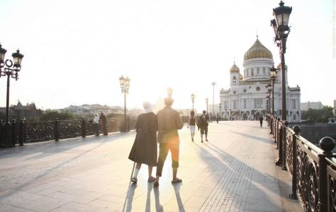 Прогулка. Патриарший мост, Москва, 2011 год