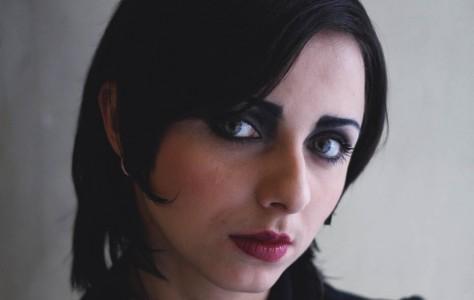На снимке Елена Дробышева. Визаж - Ольга Андреева. Санкт-Петербург, 2011 год