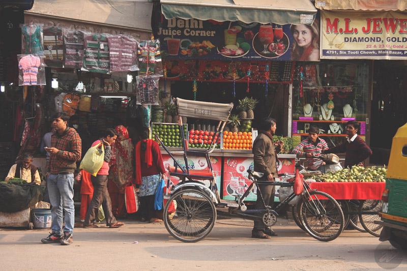 Лавки на Мейн Базаре (Нью-Дели, Индия, 2014). Фото Алексея Абакумова.
